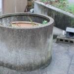 屏風島で井戸の神様に出会いました。