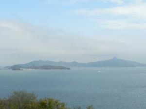 男木島から見える大島